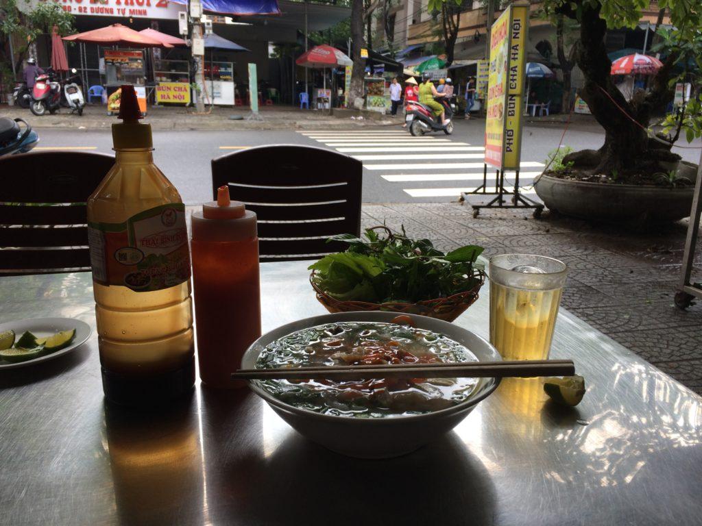 Danang hotel, Golden House Hotel, restaurant, PHO noodle, beer