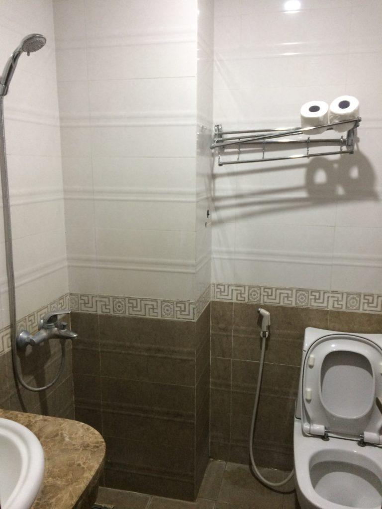 Hanoi Lucky Guesthouse 2, bath room
